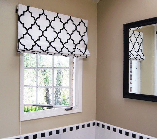 Contemporary Cotton Gate Black/White, Flat Roman Shade